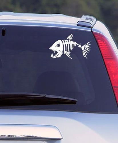 Наклейка на авто Злая рыба